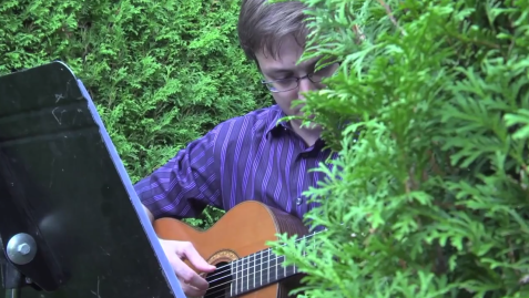 chris-in-the-trees